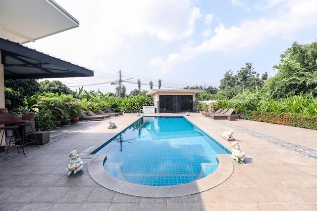 OYO 361 Relax Garden House