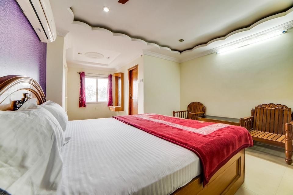 SPOT ON 62202 Hotel Mayuri Grand