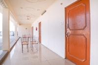 SPOT ON 62252 Chaudhary Restaurant & Hotel SPOT