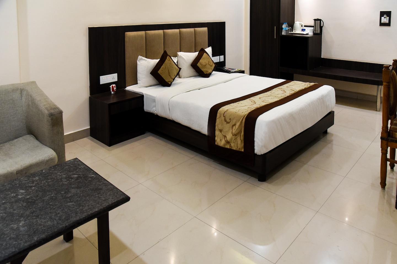OYO 5047 Hotel President -1