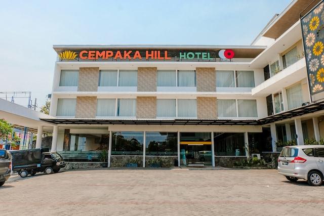 Capital O 1776 Cempaka Hill Hotel