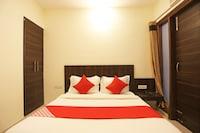 OYO 62315 Hotel Dev Palace