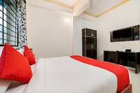 OYO 62329 Lucky Hotels
