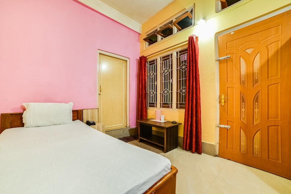 SPOT ON 62340 Hotel Dibakar