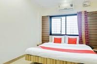 OYO 62342 Hotel Silver Palm