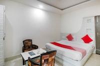 OYO 62353 Hotel Golden Park Inn