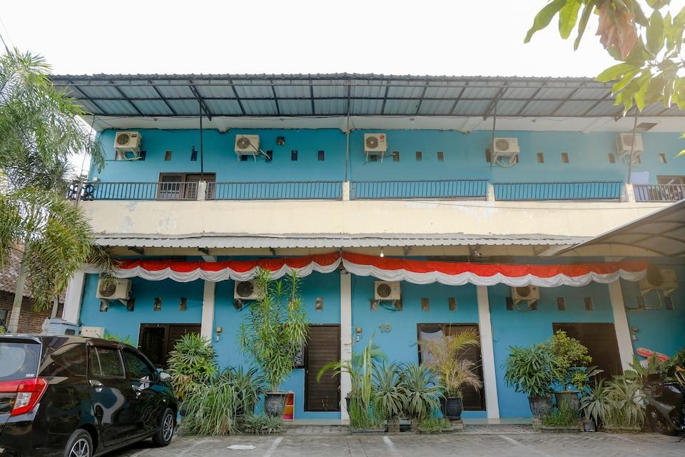 OYO 1784 Hj. Aniek Residence