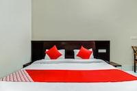 OYO 62416 Hotel Yuvraj & Restaurant