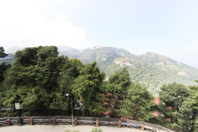 OYO Home 62439 Vibrant 1bhk Apartment Mussoorie