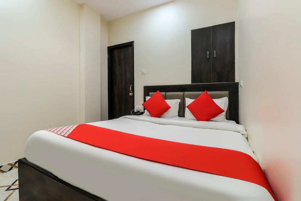 OYO 62485 Hotel City Palace
