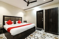 OYO 62485 Hotel City Palace  Deluxe