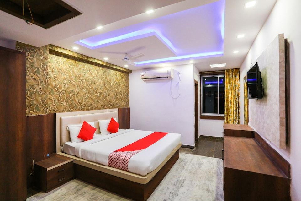 OYO Flagship 62495 Hotel Sai City Pundaag
