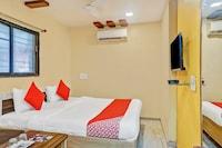 OYO 62537 Gandharva Residency - Kp