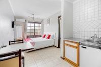 OYO Hotel Serramar