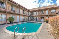 OYO Hotel Victorville Mojave Dr