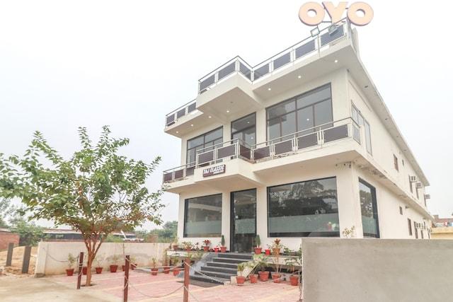 OYO 62646 Taj Classic