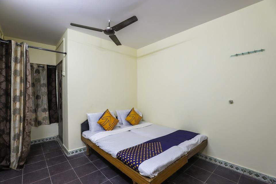 SPOT ON 62662 Shree Varai Krupa Guest House