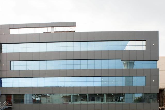 Capital O 5072 Padmini Hotel