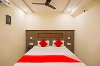 OYO 62700 Hotel Surya Inn