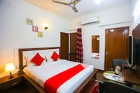 OYO 62702 Golden Home Stay