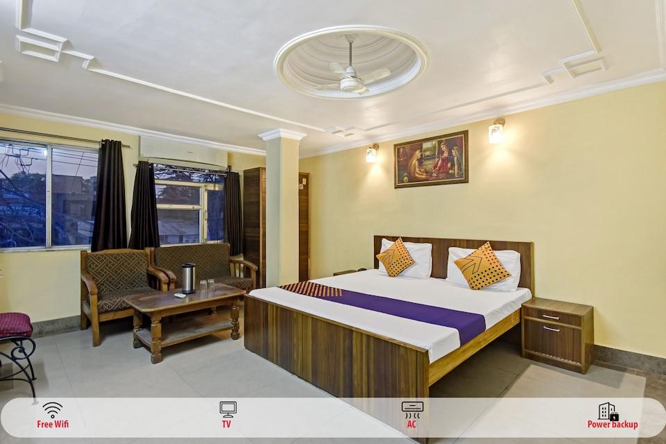 SPOT ON 62734 Hotel Sarfaraz Palace