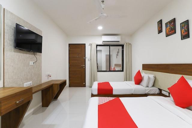 OYO 62751 Hotel Jay Shankar