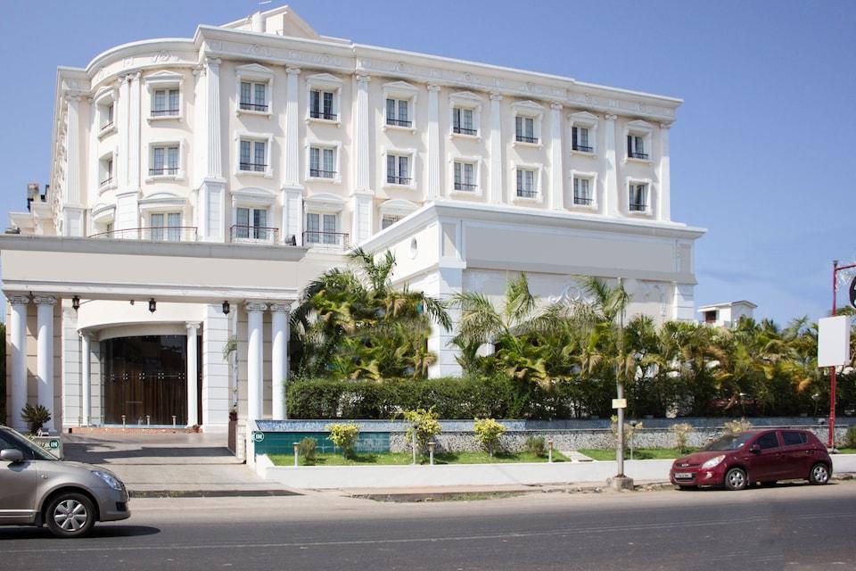 OYO 5079 Hotel Le Royal Park