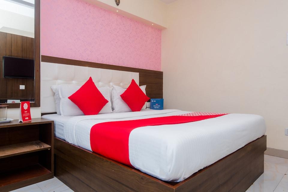 OYO 62792 Hotel Sarah Suite