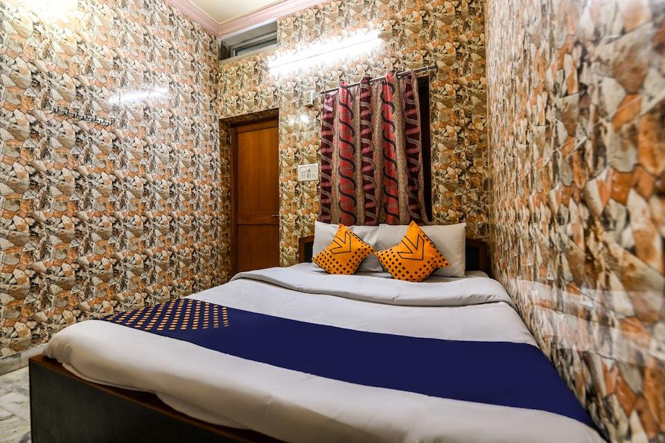 SPOT ON 62866 Hotel Mahaveer Palace