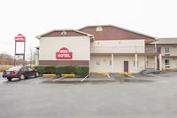 OYO Hotel Forest City NC Route 74