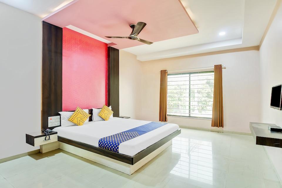 SPOT ON 63012 Sanskruti Lodge