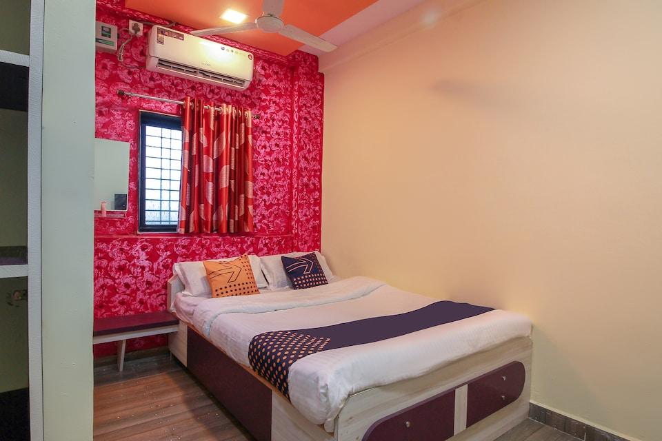 SPOT ON 63017 Aaisaheb Hotel & Loadging