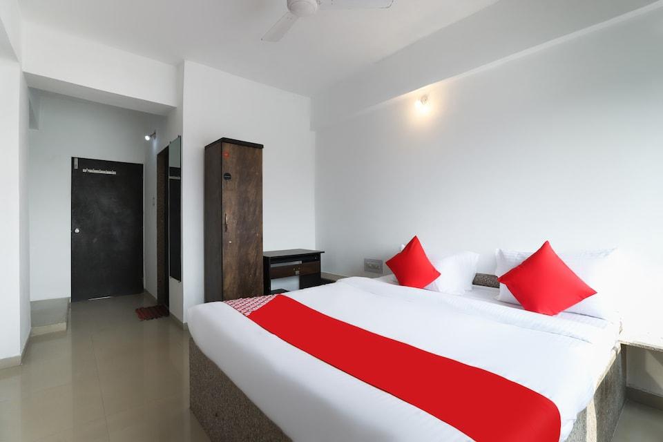 OYO 63092 Hotel Lucky Inn