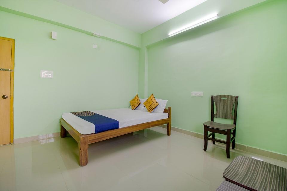 SPOT ON 63112 Grr Residency