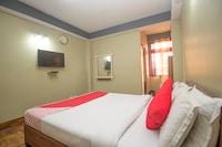 OYO 63118 Hotel Green Palace