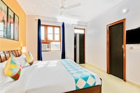 OYO Home 63125 Vikaspuri Luxury Homestay