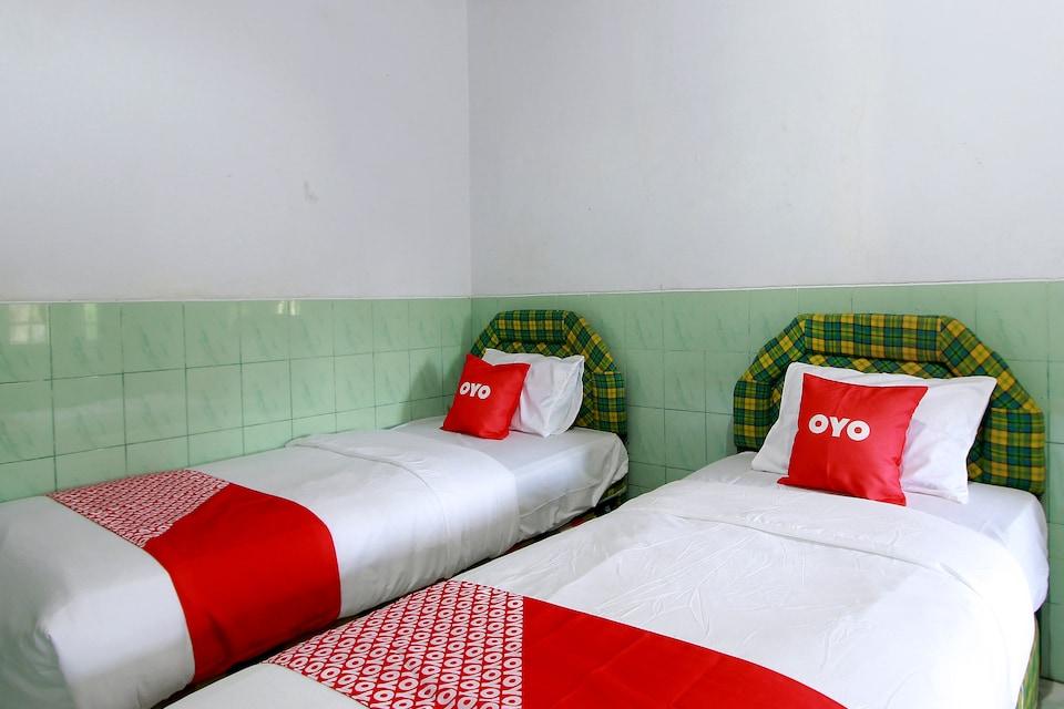 OYO 1865 Hotel Ss