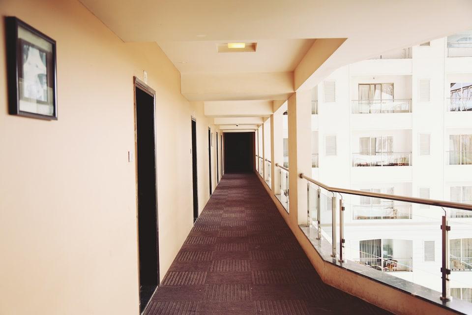 OYO 824 Hotel Le Royale