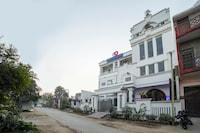 Capital O 63319 Hotel Corinthian Deluxe