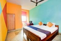 SPOT ON 63334 Asha Hotel & Restaurant