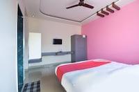 OYO 63407 Hotel Rajawat Lodging
