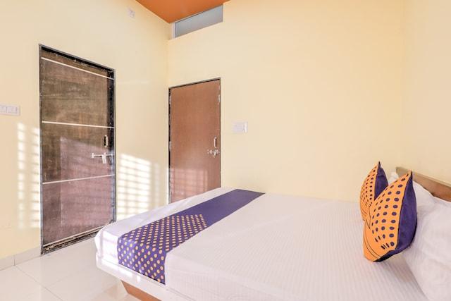 SPOT ON 63478 Hotel Palash