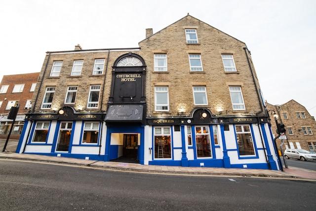 OYO Churchill's Hotel