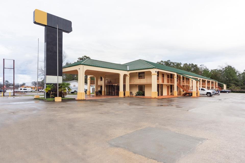 OYO Hotel Brewton AL Hwy 31