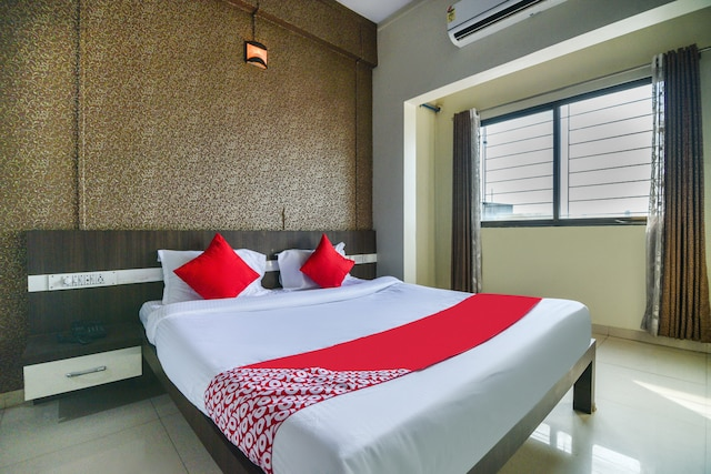 OYO 63693 Hotel Rayee Executive