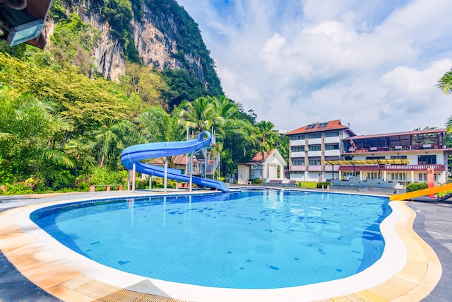 OYO 392 P.n. Mountain Resort And The Cliff Villas