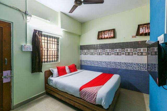 OYO 63818 Bluebay Residency