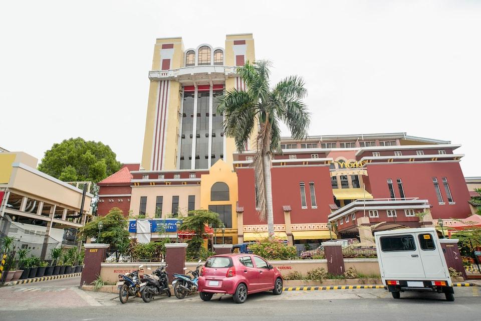 Capital O 460 World Palace Hotel