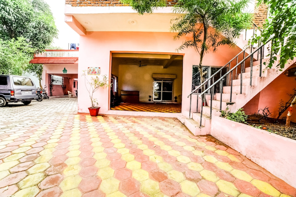 SPOT ON 63858 Jay Gurudev Homestay, Khajuraho, Khajuraho