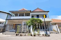 SPOT ON 1942 Asia Residence